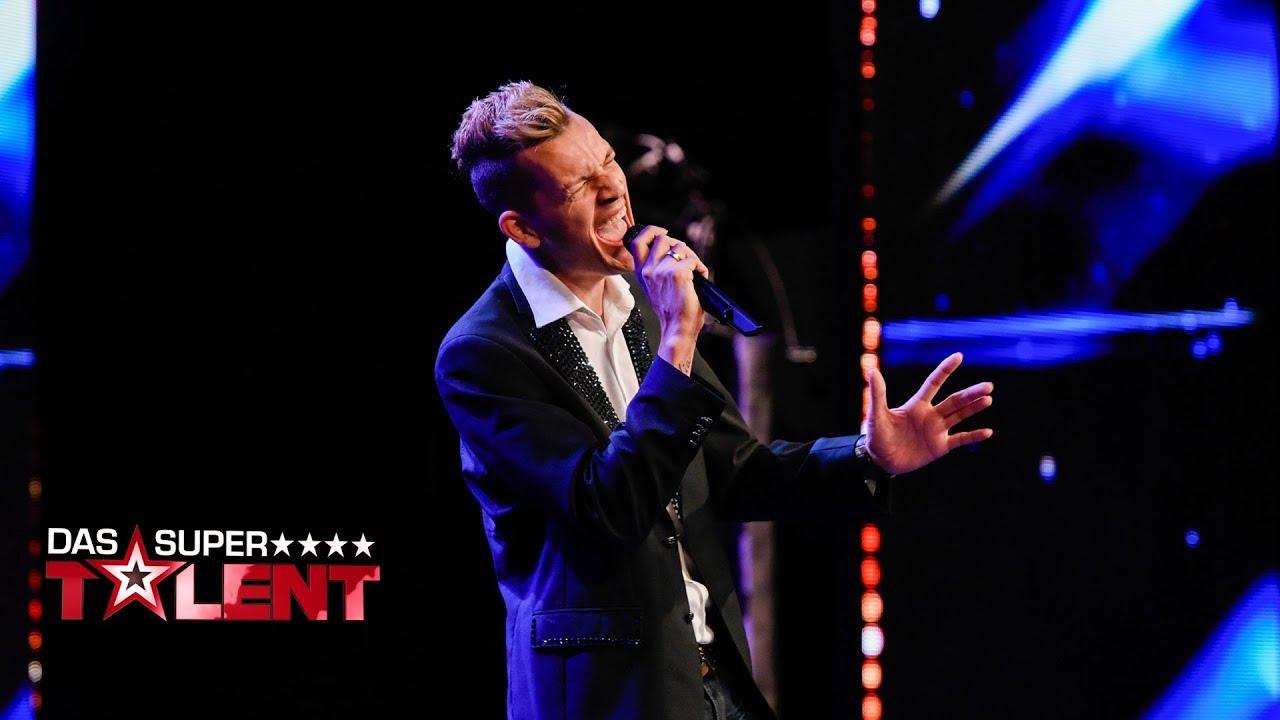 best cheap 0d95b 46ef5 Friseur Mike singt sich nach Eden   Das Supertalent 2017   Sendung vom  04.11.2017