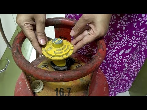 [ हिंदी ] How To Change LPG GAS CYLINDER - REMOVE REGULATOR