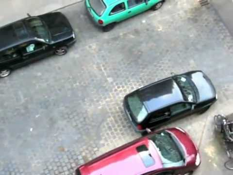 Impossible Parking in Hamburg - Music: Golden Tone Radio