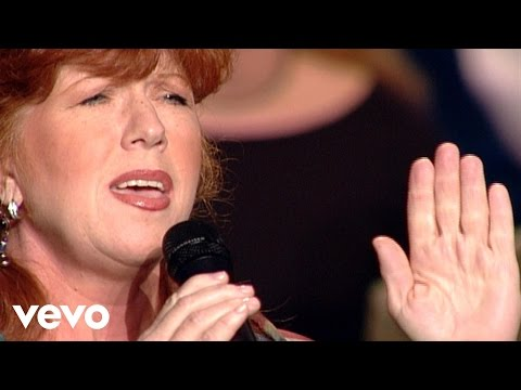 Cynthia Clawson - My Mother's Faith [Live]