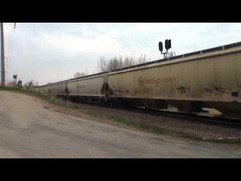 CN 5688 West | Freeport, IL | 4/14/2011