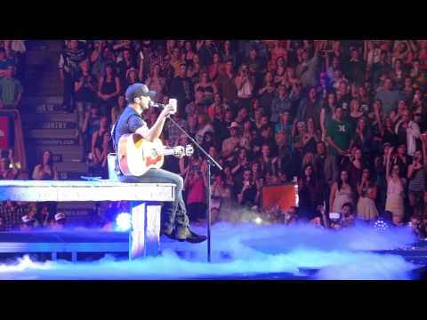 "Luke Bryan ""Drink a Beer"" Live Edmonton Alberta, 2nd Sold Out Show"