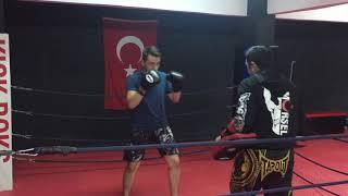 Gambar cover Üsküdar'da kick boks dünyası