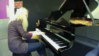 Valentina Lisitsa plays Rachmaninoff Prelude in b minor, Op.32, no10