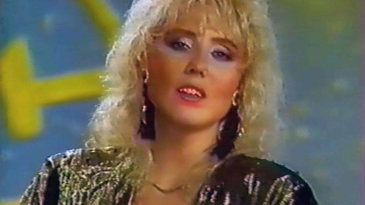 Lepa Brena - Evo, zima ce - Dozvolite da se obratimo - (RTS 1987)