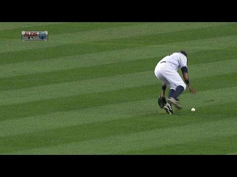 2011 ALDS Gm5: V-Mart singles home Jackson in the fifth