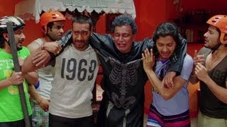 Mithun Chakraborty knocked down by his children - Golmaal 3