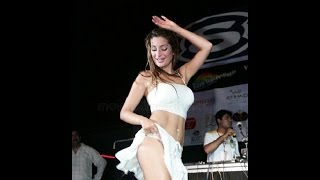 Latest Hot Bollywood Actress Wardrobe Malfunction 2016
