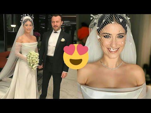 Скрытую камеру фото хазал кая в свадебном платье позе фото