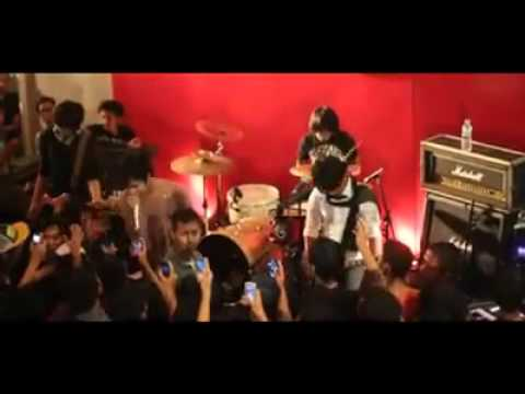 Killing Me Inside - Biarlah.live @rolling stone HD