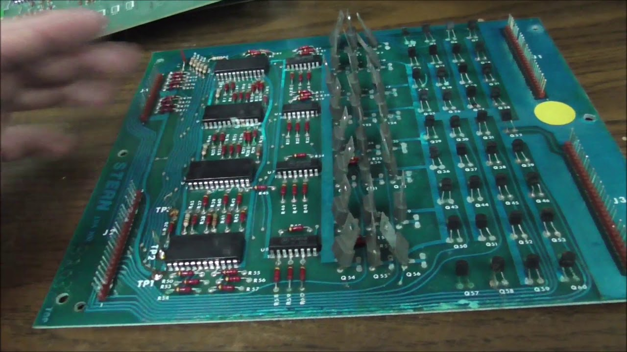 Bringing a 1977 Stern Stingray Pinball Machine Back To Life - PCB Repair - Part 4 of a Series