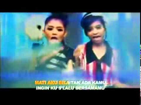 T2   Cinta Aku Gila Vidio Clip   Lyrics