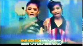 Video T2   Cinta Aku Gila Vidio Clip   Lyrics download MP3, 3GP, MP4, WEBM, AVI, FLV Agustus 2017