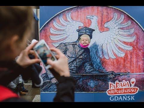 Hej, kto Polak   na paradę! O gdańskich obchodach Święta Niepodległości