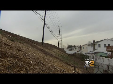 Merrick Residents Furious With LIRR