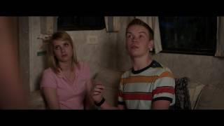 Смешной момент  из фильма Мы миллеры (учат парня целоваться )