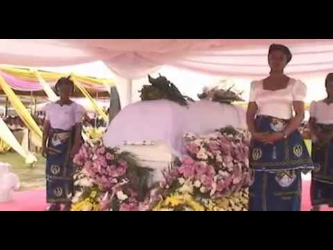 Emmanuel Ezii - Tribute to Sen. Magnus Ngei Abe's Mother Part 2  [Ogoni]