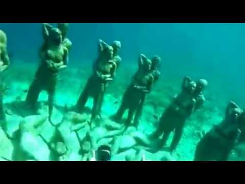Awesome underwater statues - Gili Meno Snorkeling (Indonesia)