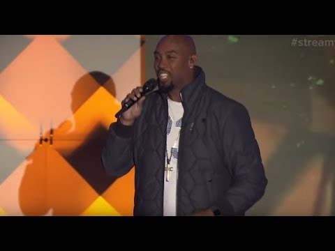 "Montell Jordan ""This Is How We Do It"" Performance - Streamys 2018"