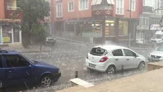 İstanbulda dolu faciyası arabalar pert