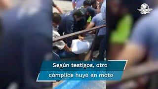 Un presunto ladrón fue capturado y golpeado por ciudadanos cuando pretendía asaltar a un cuentahabiente al salir  de un banco de la ciudad de Villahermosa