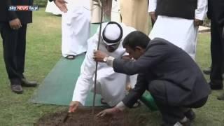 محمد بن زايد يزور ضريح غاندي