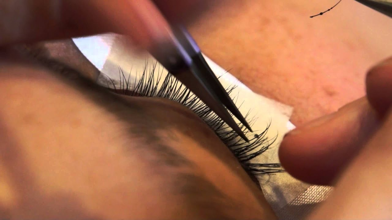 Eyelash Extensions 101 - Application - YouTube