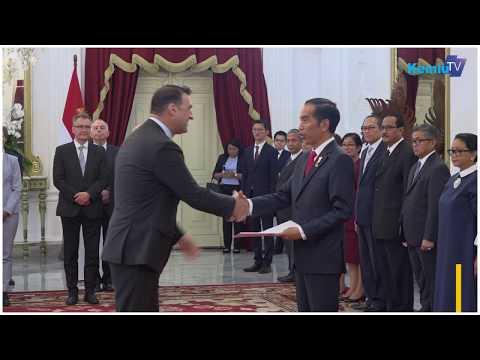 Presiden Jokowi terima surat kepercayaan dari 13 Duta Besar negara sahabat untuk Republik Indonesia Mp3