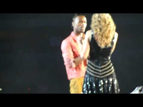 Taylor Swift & B.O.B - Airplanes