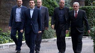 Tsipras forma un gobierno en Grecia con diez ministerios
