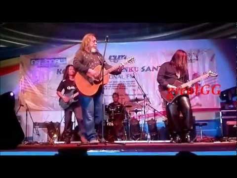 Ramli Sarip & Khalifah - Keliru (live2012)