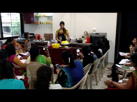 Cake decorating part by Om Sai cooking classes nasik