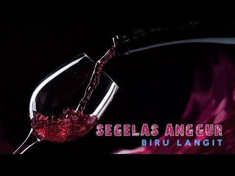 Biru Langit - Segelas Anggur