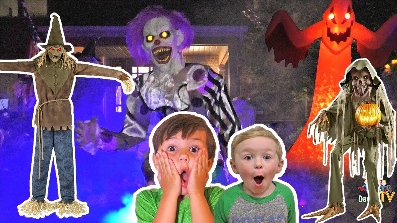 Our Spooky 2018 Halloween Animatronics Collection in our Yard!