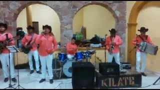 Repeat youtube video Conjunto Kilate Dolores Hidalgo -Amor De Cuatro Paredes