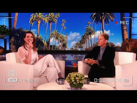 anne hathaway laughing  for 1 min ✿