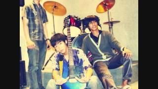 """Dear Band """"Kutelah jatuh cinta""""(indonesia new song)"""