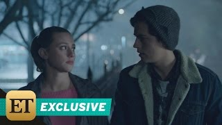 exclusive betty and jughead s romance is heating up in this sweet riverdale sneak peek