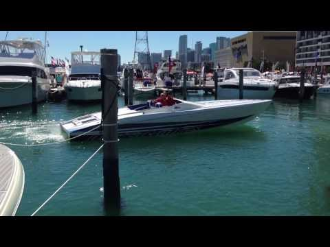 2014 Outerlimits SL36 Docking 520EFI Mercury Racing Miami Boat Show 2014 (HD)