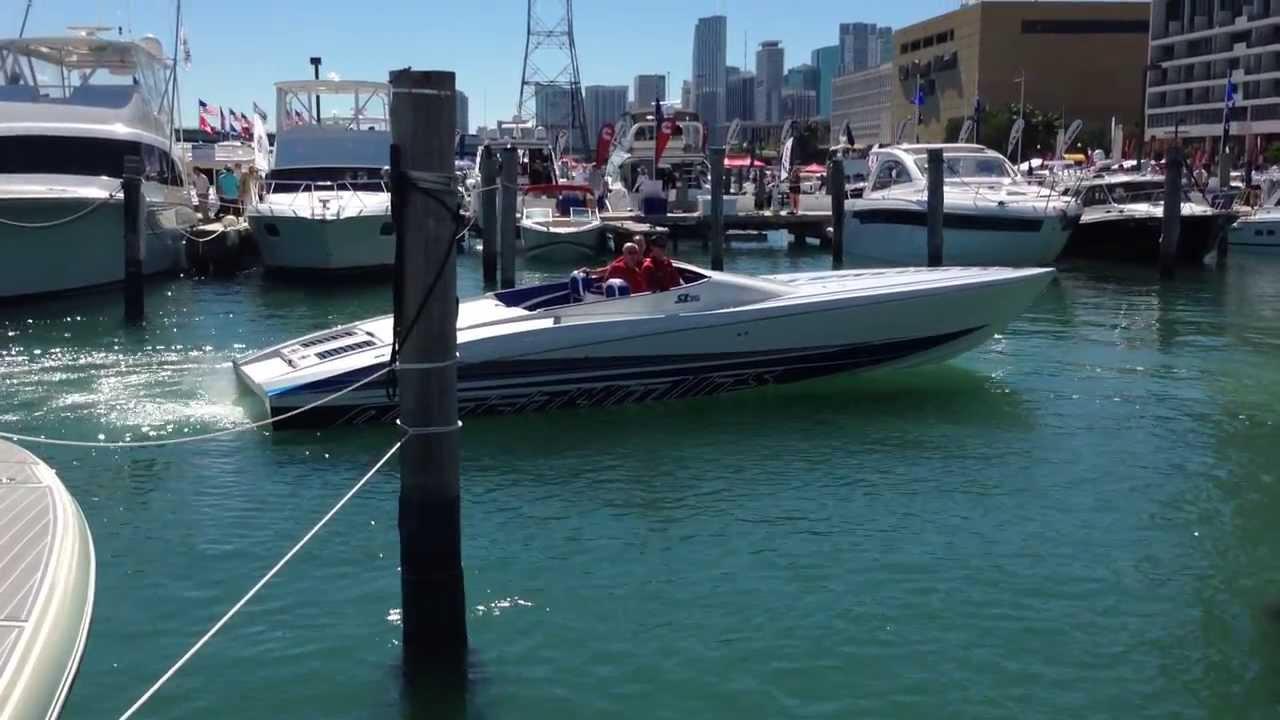 2014 Outerlimits SL36 Docking 520EFI Mercury Racing Miami Boat Show 2014  (HD)
