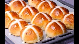 Hot cross buns: the original recipe to make them fluffy and tasty!