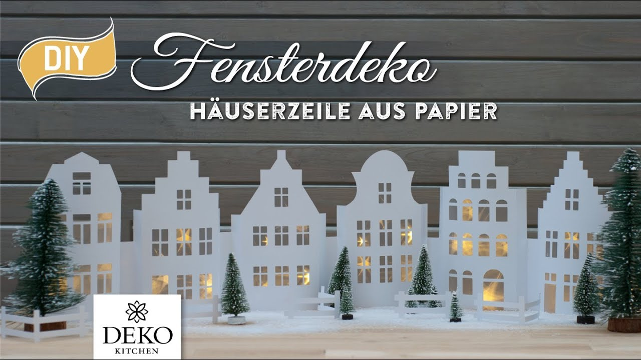 diy weihnachtsdeko fensterdeko mit h userzeile aus papier. Black Bedroom Furniture Sets. Home Design Ideas