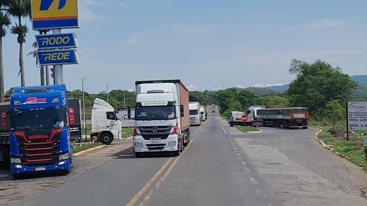 Download Saindo do posto Gaúcho em Jaraguá,  GO. BR 153.