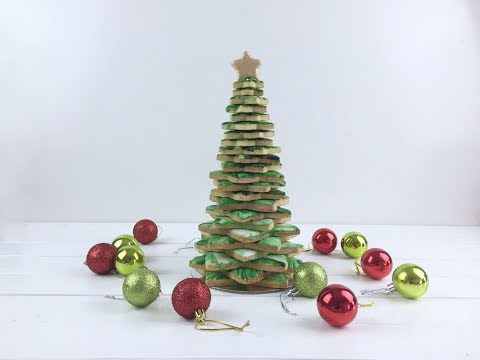 I MADE A CHRISTMAS TREE OUT OF COOKIES!