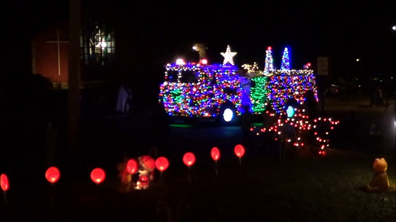 Cottage Grove Christmas Lights 2020 Cottage Grove Christmas Light show & Parade of Lights 2015   YouTube