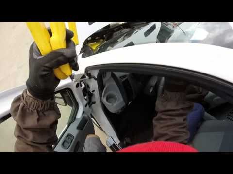 FORD TRANSIT LOW ROOF 2015 A BAD INSTALL WILL BE FIX WINDSHIELD INSTALL (instalacion de parabrisas)