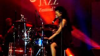 Sheila E Solo Drum.AVI