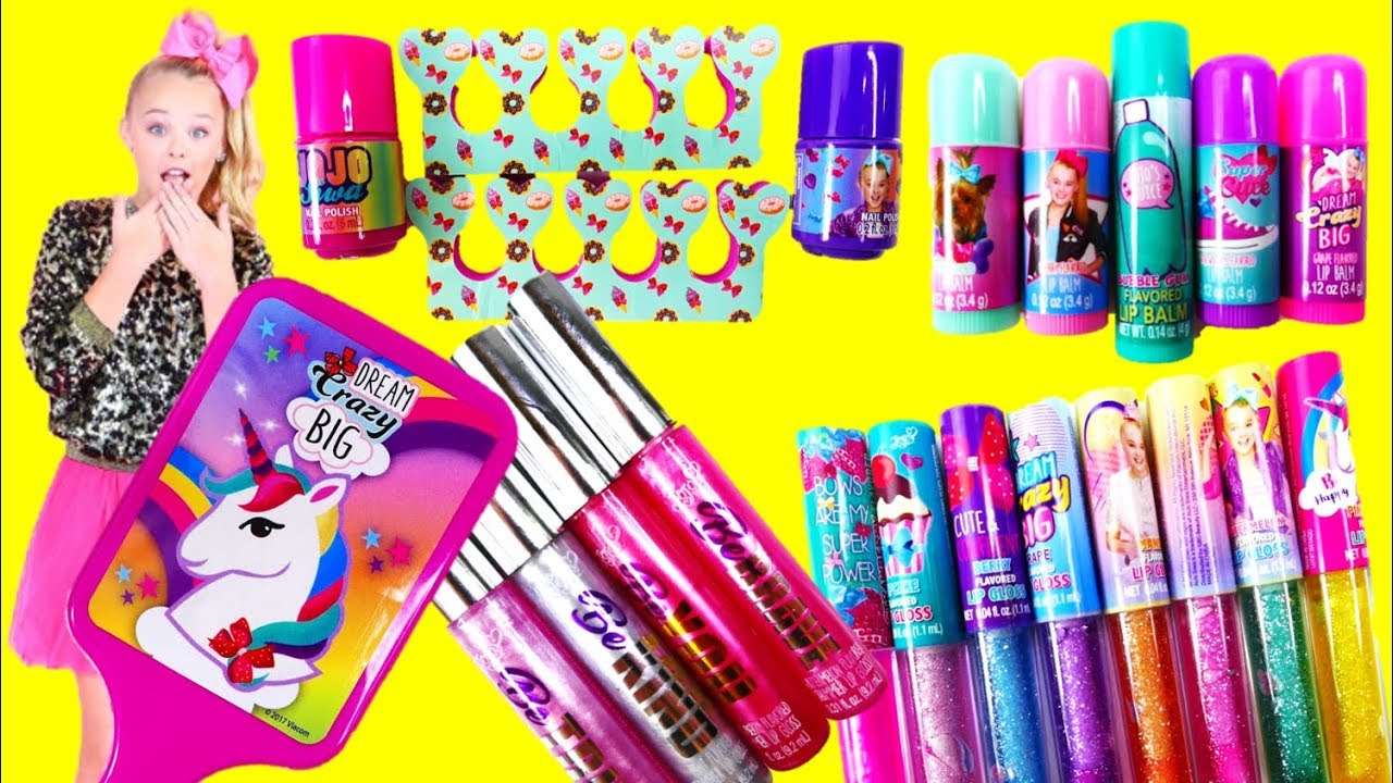 Jojo Siwa Makeup Sets Lip Gloss Lip Balm Nail Polish Youtube