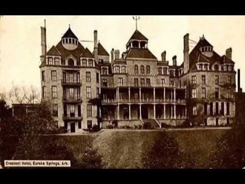 History Goes Bump Podcast, Ep. 11 - The 1886 Crescent Hotel