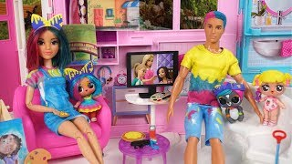 Barbie Doll LOL Splatters Family Evening Routine Playdate with Baby Goldie